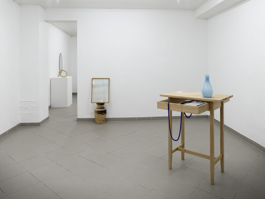 "asako shiroki ""a warm trail"" installation-view"